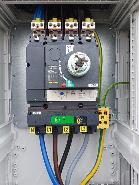 industri-installationer hos Tech Partner